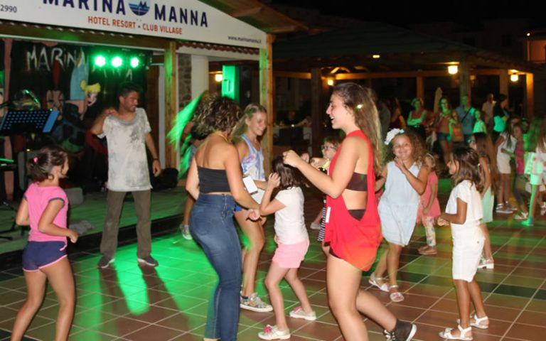 Entertainment Marina Manna Hotel & Club Village